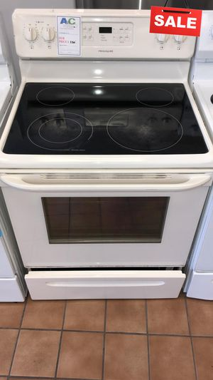 BIG BARGAINS!! CONTACT TODAY! Frigidaire Electric Stove Oven Self Cleaning #1500 for Sale in Baltimore, MD