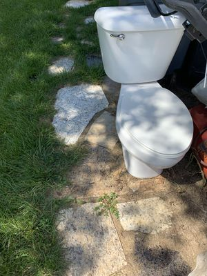 Toilet for Sale in Dublin, OH