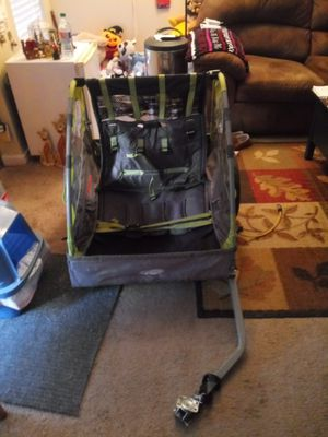 Bike trailer but it can't be used for a child no belts only used to take to store for Sale in Fort Worth, TX
