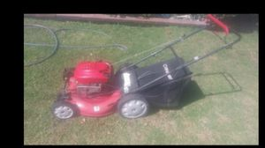 Lawnmower troy bilt self propelled .in excellent conditions for Sale in Bell Gardens, CA