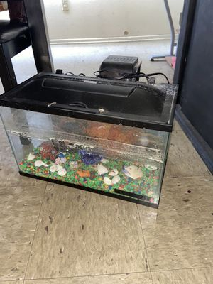 Fish tank as is for Sale in Los Angeles, CA
