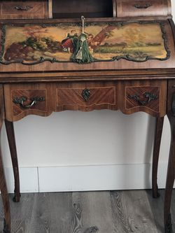 Louis XV Writing Desk for Sale in Beverly Hills,  CA