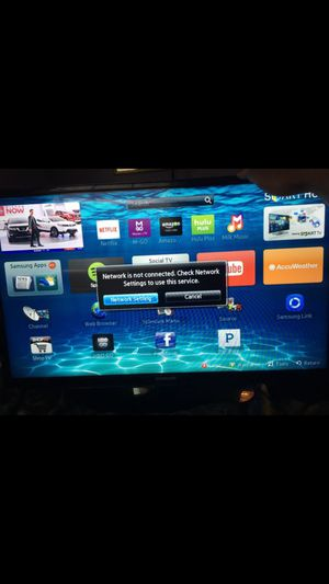 SAMSUNG 32 INCH SMART TV- PERFECT CONDITION for Sale in Fort Washington, MD