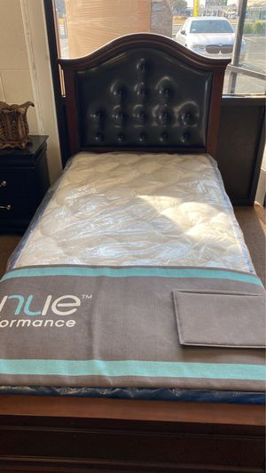 Twin bed with trundle for Sale in Fresno, CA