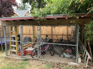 Free dog run or shed for Sale in Portland, OR