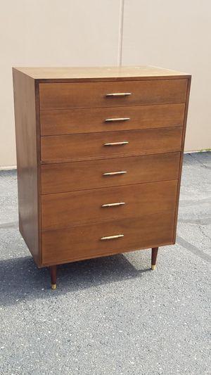 Highboy dresser for Sale in Modesto, CA