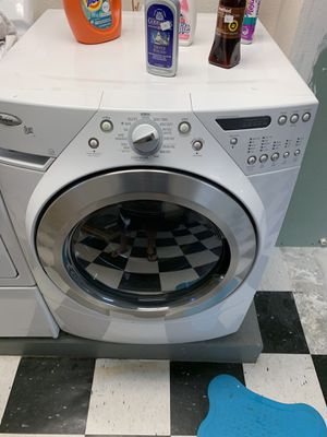 Whirlpool washer and kenmore elite xl dryer for Sale in Portland, OR