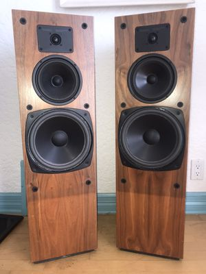 Vintage Boston Acoustics T930 Floorstanding Tower Speakers (Wooden, good condition) - USA made for Sale in Seattle, WA