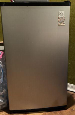 Mini refrigerator for Sale in Riverview, FL