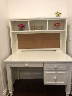 Student Desk with Hutch - Pottery Barn Teen for Sale in San Diego, CA