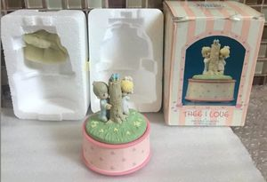 """Enesco Precious Moments collectible 1989 """"Thee I Love"""" Action Musical Plays """"True Love"""" and it turns. Pre-Owned for Sale in Norwalk, CA"""