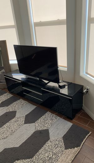 Entertainment Center TV Stand Excellent for Sale in Las Vegas, NV