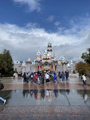 Disneyland park hopper tickets for Sale in Pico Rivera, CA