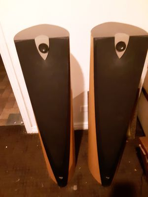 Set of Focal 918 tower speakers home theater stereo high end audio 150 watts $5000 original price for Sale in Denver, CO