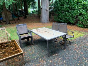 Like new used 1summer patio set for Sale in Issaquah, WA