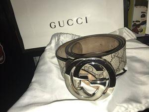 Gucci belt for Sale in Elgin, IL