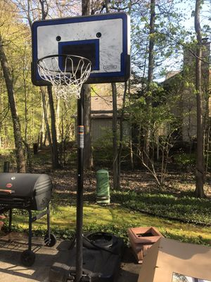 Portable Basketball Hoop for Sale in Bloomfield Hills, MI