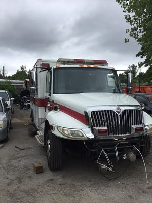 05 international 4300 lp 7.6L L6 for parts (fire truck) for parts only (hood and grill) for Sale in Silver Spring, MD