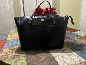 Authentic Tory Burch purse. Good condition for Sale in Wimauma, FL