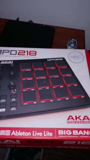 Akai mpd218 for Sale in Silver Spring, MD