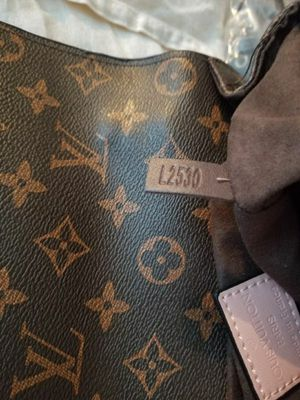 Louis Vuitton MM bag for Sale in MONTGOMRY VLG, MD