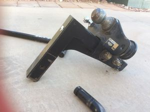 Equalizer hitch for travel trailer, 2-5/16 in ball, adjustable height on stem for Sale in El Paso, TX