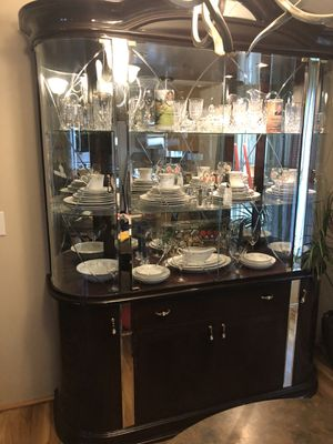 China closet, beautiful, has 4 door storage area adjustable shelves $75 it's two section, new over a $1000 new for Sale in Bishopville, MD