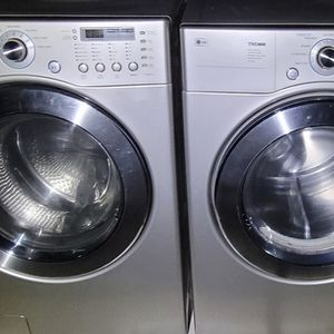 """LG"" FRONTLOADER MATCHING SET WASHER AND GAS DRYER KING SIZE CAPACITY 4.3 cu ft for Sale in Phoenix, AZ"