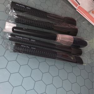 Laruce Makeup Brushes for Sale in Riverdale Park, MD