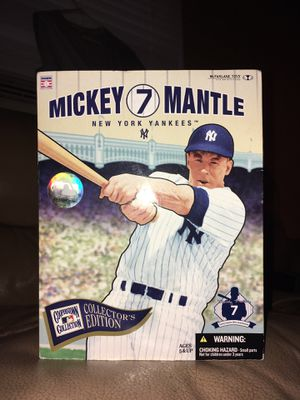 Collectible Mickey Mantle Centerfield - NO 7 figurine for Sale in Norfolk, VA