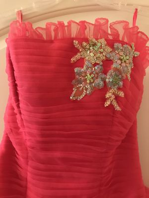 Hot pink strapless quinceanera dress. for Sale in Houston, TX