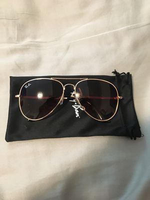 New Ray Ban Aviator sunglasses with Gold Frame and Brown lenses for Sale in San Francisco, CA