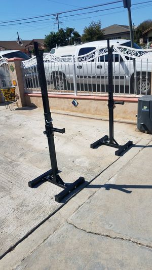 500lbs Capacity Stand alone squat rack with safety catchers Brand new in box for Sale in Montebello, CA