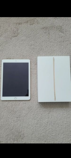 Ipad air 2, 32 gb, wifi, perfect condition works perfectly no scratches, price negotiable for Sale in Miami, FL