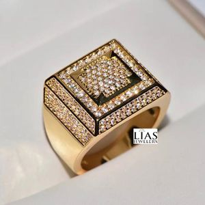 New 18k Yellow Gold Men Wedding Ring for Sale in Fort Lauderdale, FL