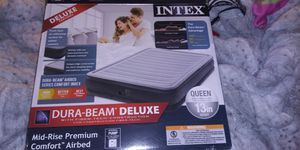Intex 13in Queen air mattress with built in pump for Sale in Quincy, MA