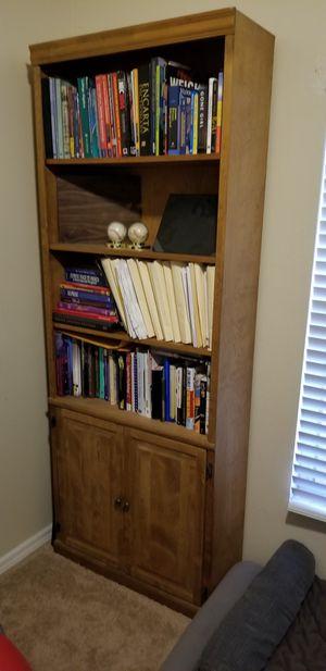 Bookcase for Sale in Orlando, FL