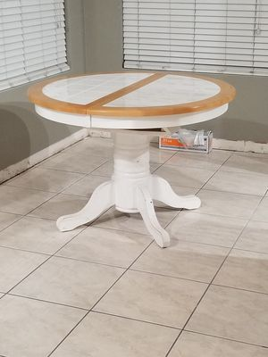 Kitchen table for Sale in Ceres, CA