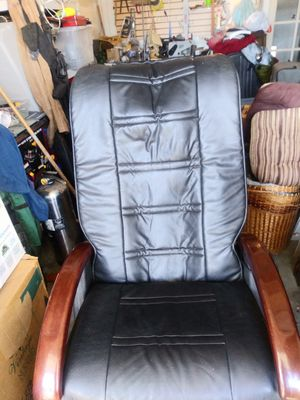 Massage chair for Sale in Bakersfield, CA