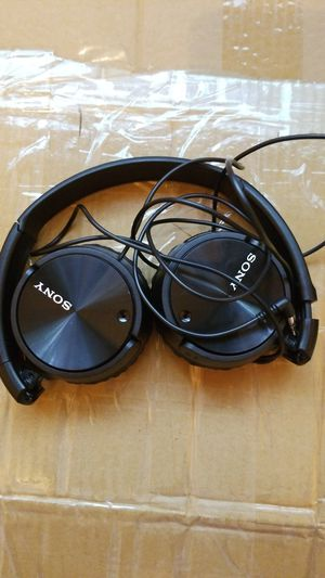 Sony MDR-ZX110 stereo headphones for Sale in West Mifflin, PA