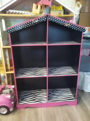 Girls shelf for Sale in Jurupa Valley, CA