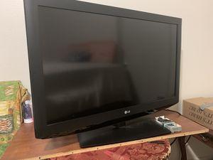 LG TV flatscreen for Sale in Tacoma, WA