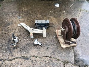 1 ladder jack, 1 milwaukee 1/2 pneumatic impact, 1 craftsman paint gun, 1 6inch 1/4 horse bench grinder, 1 70foot retractable air hose for Sale in Cuddy, PA