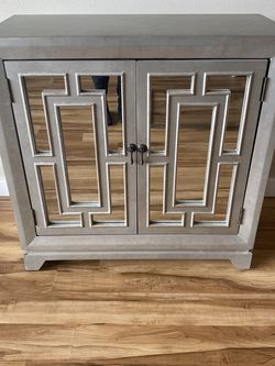 2 Door Mirrored Accent Cabinet for Sale in Kirkland,  WA