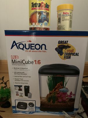 Aqueon 1.6 fish tank with LED light and filtration for Sale in Fullerton, CA