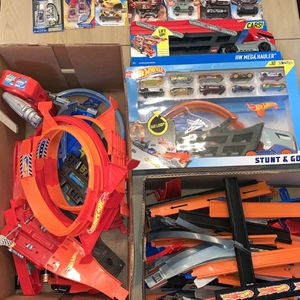 Kid Toys Huge Hot Wheels Track Lot with Boosters- Loops- Jumps- Connectors- More Some New In Package for Sale in La Mirada, CA