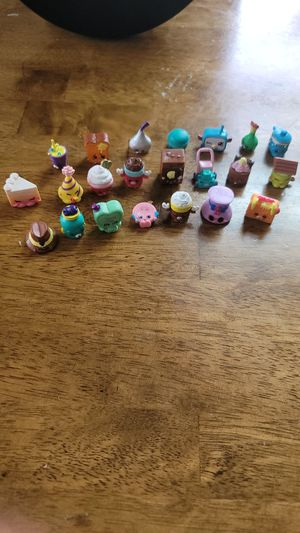 Girls shopkins 22 pieces for Sale in Paramount, CA