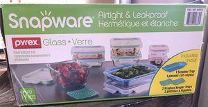 Snapware Pyrex Glass 19 pieces New (has one lid Broken) for Sale in La Puente, CA