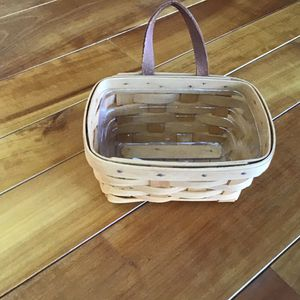 Longaberger small key basket with protector in very good condition - clean for Sale in Dover, PA