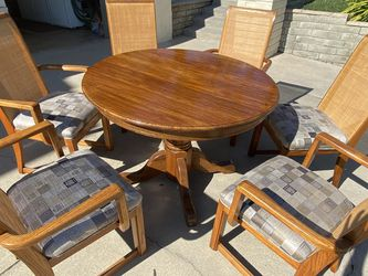 "42"" Dia. Solid Oak Kitchen Table and Six Chairs for Sale in Torrance,  CA"
